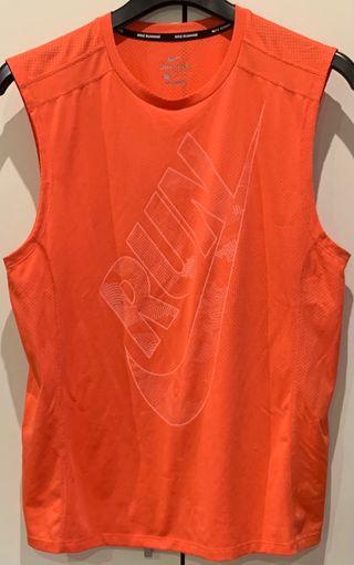 Camiseta Nike Dri-Fit. Talla L.