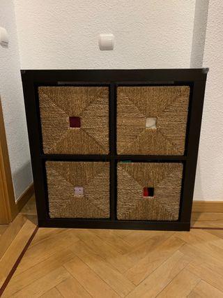 Mueble con cestas