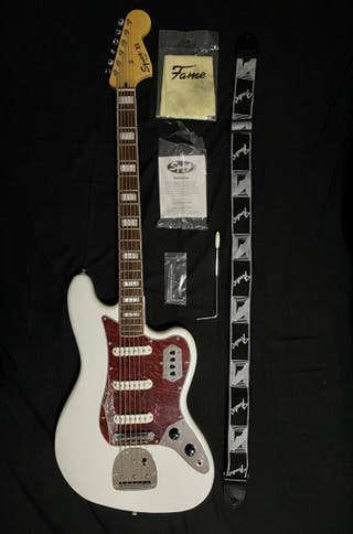 Fender Squier Bass VI