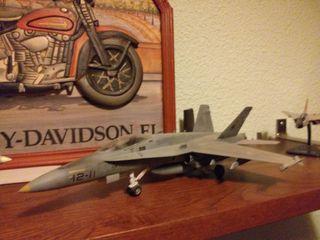 Maqueta Avión F18 Hornet