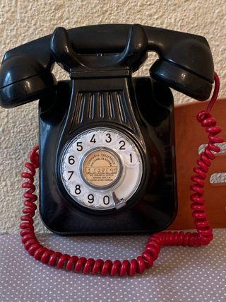 Teléfono antiguo. Vintage