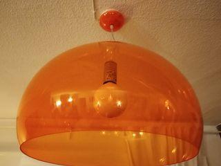 lámpara FLY de Kartell naranja diseño