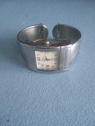 reloj de mujer tipo pulsera