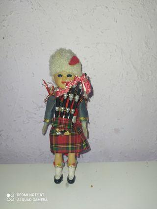 vendo muñeco escocés gaitero años 50-60