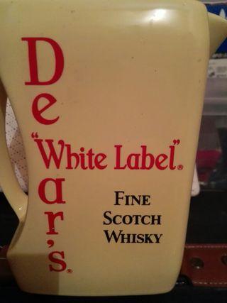 Jarra agua whisky White Label