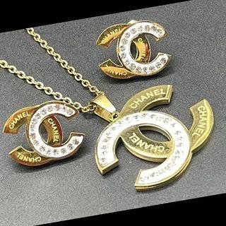 cojunto Chanel chapado en oro 18 kilates de