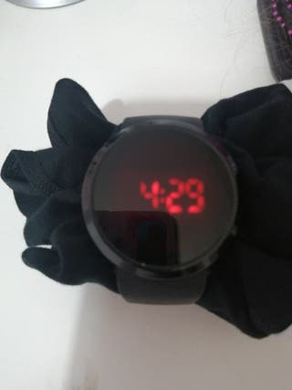 reloj digital tactil
