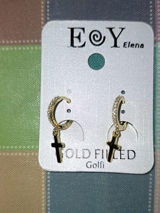 Pendientes nuevos de color plata y golfie