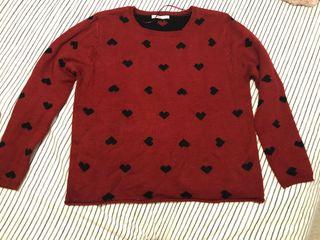 Jersey rojo corazones