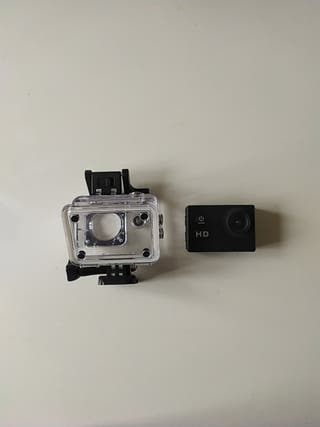 Camara HD tipo GoPro mas accesorios.