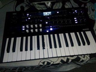 Sintetizador Korg