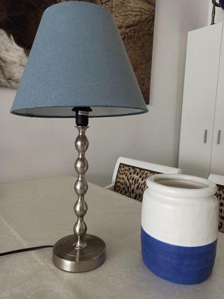 Lampara y jarron Ikea