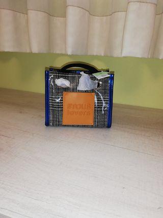 bolso Tous nuevo con su etiqueta