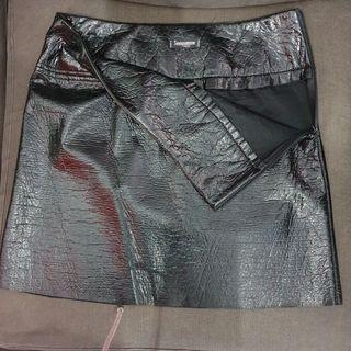 falda sinequanone