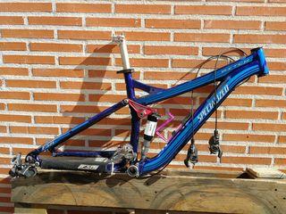 """bicicleta specialized enduro 26""""."""