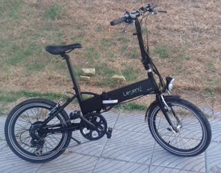 bicicleta eléctrica plegable. marca Legend.