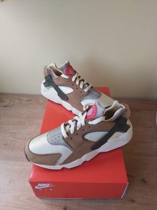 Nike Air Huarache x Stussy desert oak