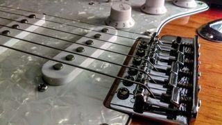 Quintaje de guitarras y bajos eléctricos.