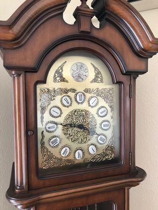 Reloj de carrillón de pie Malcar