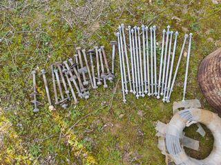 tornillos grandes de acero 50 cm y 28 cm corrugado