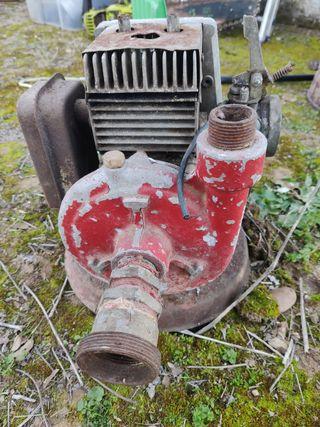 bomba antigua para reparar
