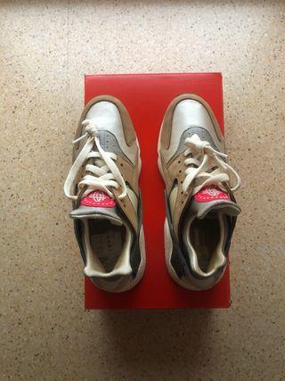 Nike Huarache x Stüssy