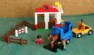 LEGO DUPLO 5648 HORSE STABLES