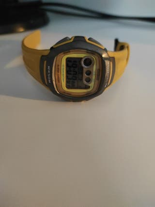 Reloj Casio wr 50 M w-210