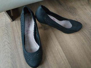 Zapato de tacón alto y fino T 36