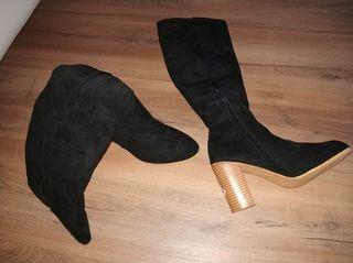 Botas altas de ante color negro T 36