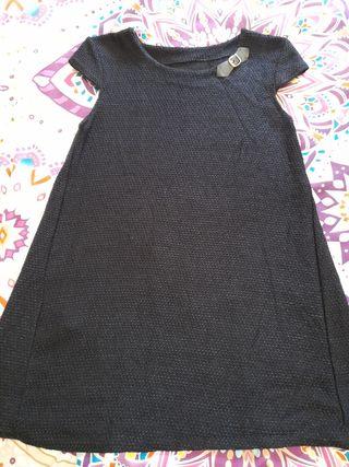 Vestido negro.