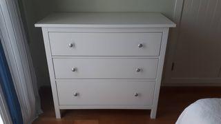 Cómoda blanca modelo Hemnes de Ikea