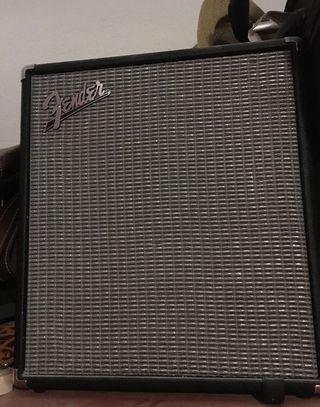 Amplificador de Bajo Fender Rumble100