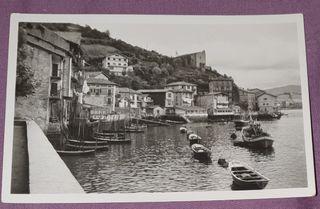 Antigua tarjeta foto postal, está usada