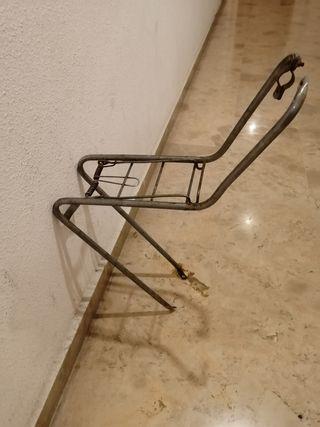 Portaequipajes delantero bicicleta antigua