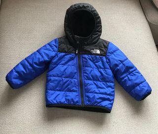 Abrigo North Face tipo plumas bebé 18 meses