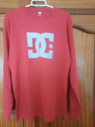 camiseta manga larga roja DC estado 10/10 talla L