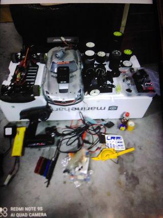coche rc ELECTRICO Mercedes AMG competicion.