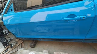 Ford mustang puerta delantera
