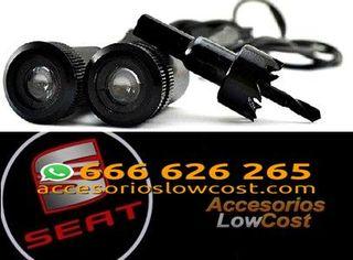 BT000305 - KIT DE DOS PROYECTORES LED LOGO SEAT PARA PUERTAS DEL COCHE.