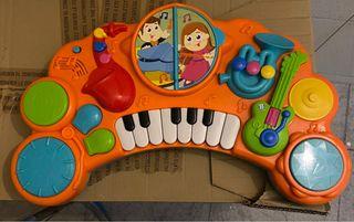 Piano juguete como nuevo. Juguete musical