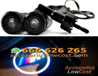 BT000300 - KIT DE DOS PROYECTORES LED LOGO M PARA PUERTAS DEL COCHE.