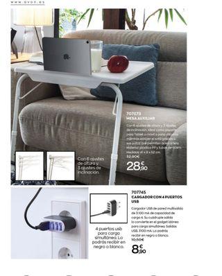 Mesa auxiliar, cargador USB y soporte de luz + mov