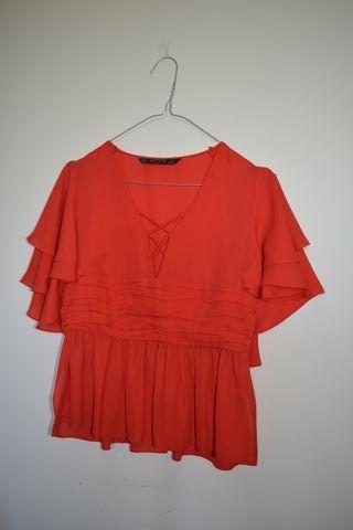 Blusa Roja con Volantes