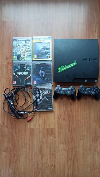 Play station 3 (PS3) 500GB con dos mandos y juegos