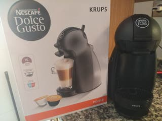cafetera DOLCE GUSTO color negro