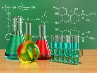 Profesor particular de Química y Matemáticas.