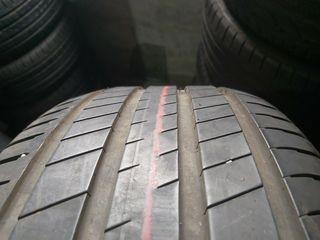 235 60 18 103V Michelin Latitudes sport 3