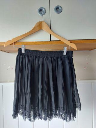 Mini falda negra de Zara