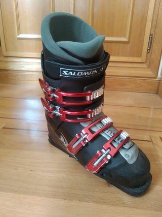 Botas de esquí salomon.